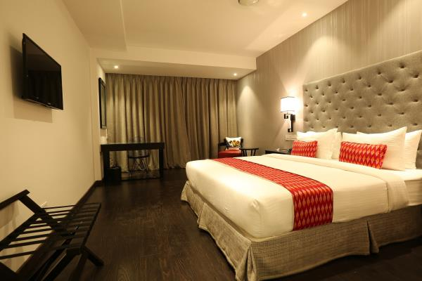 Hotel Deccan Serai Madhapur, Hyderabad, is a budget hotel located in Hitech City in Hyderabad. This budget hotel is located in the vicinity of leading technology companies such as Facebook, Microsoft and Tech Mahindra. Conveniently close to many large corporations, hospital and train stations, Hotel Deccan Serai Madhapur, Hyderabad, is the ideal choice to rest your feet.