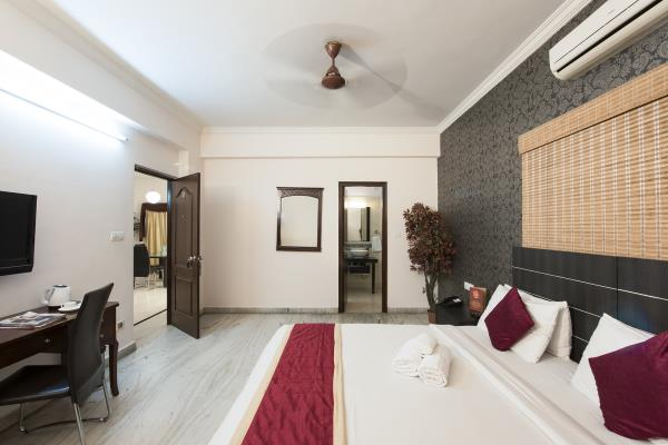 Welcome to At home Serviced apartments & At home suites!   Your home away from home . We offer serviced apartments which cater to the needs of business travelers, large families, and individual professionals. At Athome, we provide spacious accommodation for people visiting Hyderabad on various occasions such as business, medical care, relocation, vacation, etc. Our studio flats offer a peaceful home-like living environment that are best suited for corporate travelers staying for an extended period of time. That's not it! We assure you 24 hours Check-in / Check-out facilities with Unlimited Free Wi-Fi connectivity, Complimentary Breakfast and many such essential amenities. All our serviced apartments are located in prime locations of Hyderabad such as Hitech city, Kondapur & Gachibowli.