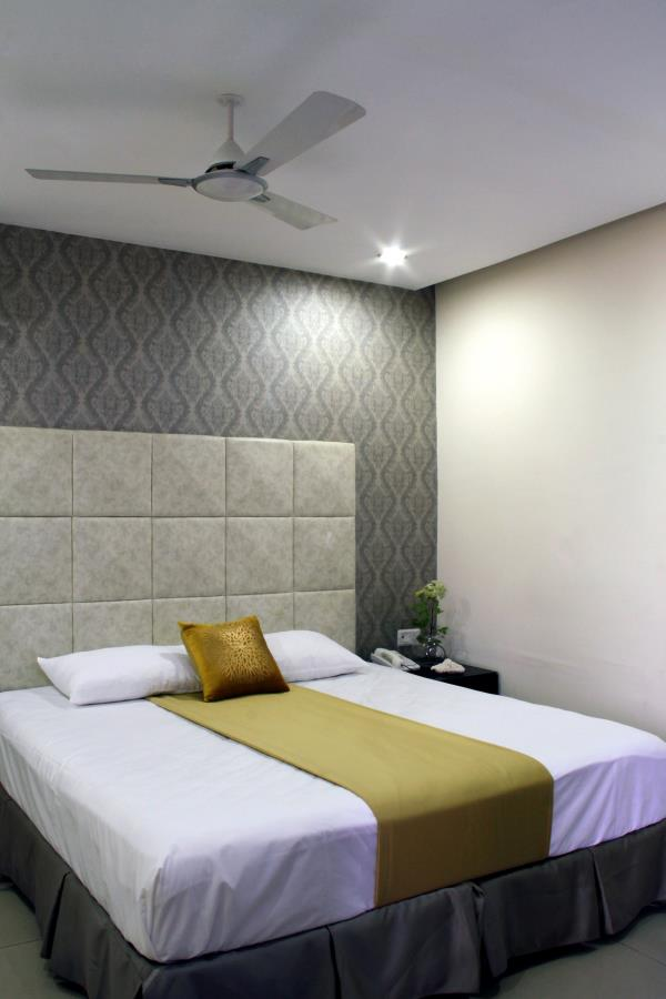 Athome Suites & At home serviced apartments are just away from N Convention, JRC Convention& Sandya convention centers Hitech city Hyderabad.  Athome Serviced Apartments in Hyderabad India, welcomes you to the world of executive luxury and elegance. Budget accommodation in Hyderabad is no longer a difficulty as we provide you with finest and well-resourced luxury service apartments inside Hyderabad city at a reasonable rate for short/long term stay. This includes one bed room flat and two bed room flats, exclusively designed to cater the requirements of our customers.  Athome Service Apartments gives you the advantage of being at home and at the same time enables you to enjoy all the real pleasures of a luxury hotel. We facilitate a comfortable and peaceful stay in a cost effective manner so that our customers get utmost satisfaction for the money they invest.