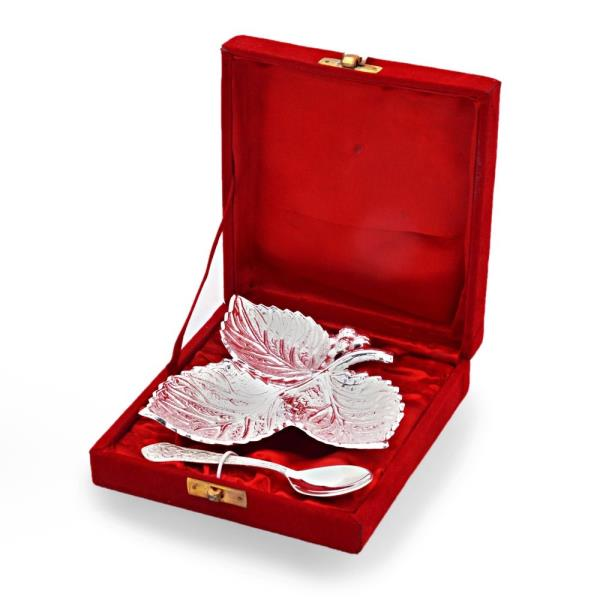 Buy Silver Polish Leaf Shaped Brass Freshener Set Online in Bangalore  This silver polished leaf shaped Mouth Freshener bowl set comes with a spoon. Made up of pure brass it is beautifully carved on the surface. Gift it or use it, it is sure to be admired by all. The gift piece is prepared by master artisans of Jaipur.