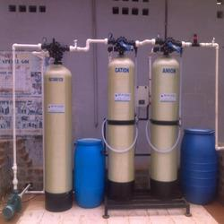 No1 Reverse Osmosis Water Plant Manufacturer In Trichy   We offer a comprehensive array of Reverse Osmosis Water Plant that is appropriate for the treatment of water and waste water. This assortment assists in removing dissolved matter, both ionic as well as non ionic in a single step. Moreover, this plant is ideal for a huge variety of industrial water purification requirements.  No1 Reverse Osmosis Water Plant Supplier In Trichy No1 Reverse Osmosis Water Plant Seller In Trichy No1 Reverse Osmosis Water Plant In Trichy