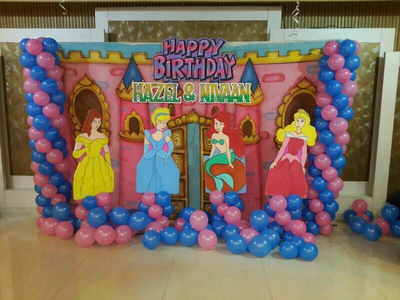 Balloon decorator in DN Nager Andheri West Mumbai Maharashtra