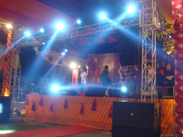 Official Website http://www.activemusic.in/india-delhi-ncr-dj-dhol-percussionist/   Active Musical Entertainer- +91-9711053553, 9313770610  We provide Best DJ Operator with complete DJ Setup for Events & Shows