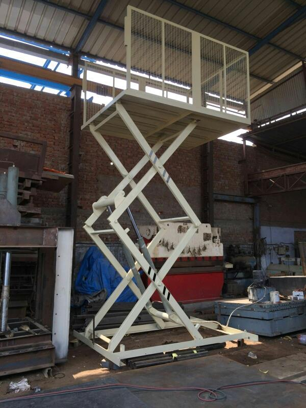 Also manufacturing of hydraulic scissor lift