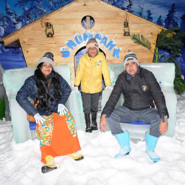 Have fun with your family while in goa with real snow and lots of activities to do only @snowpark_goa #snowpark #snowhut #snow #snowfall #Icescluptures #icerides #snowrides #rides #amusmentpark #thingstodoingoa #placestovisitingoa #goatrip #goa #baga #bagabeach