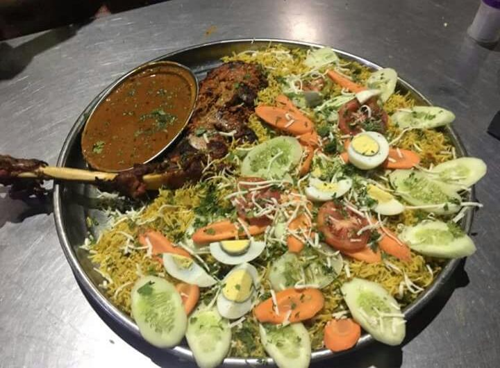 Tasty Mutton Raan Rice with whole Raan and Rice deliciously prepared to suit a group of 5.