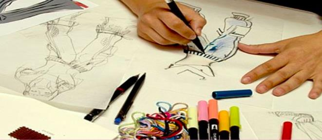 B.Des - Fashion Design Course Palme Deor Film & Media College has special course for students who wants to be Fashion Designer. This is a 4 year Professional Degree Course. Opportunities are available in Advertising, Cinema Industries as Costume designer, Colourist, TV , Textile Companies, Designer for celebrities. Even in Govt. Departments under Ministry of Textile.