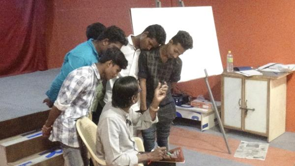 students learning sincerely cinema from vinayagamoorthi sir