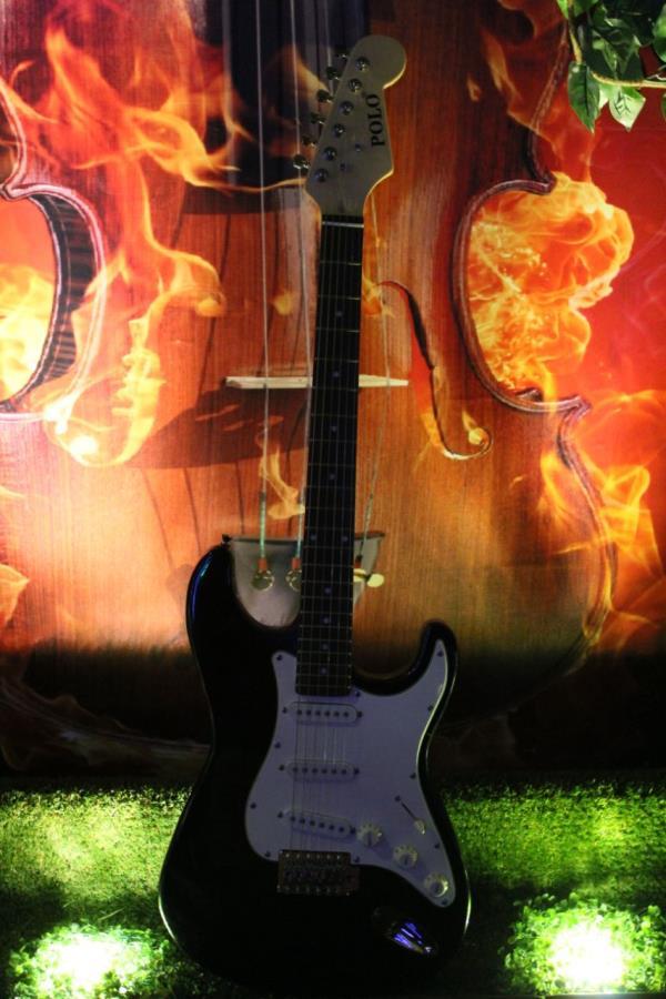 Live Music, guitar interiors,