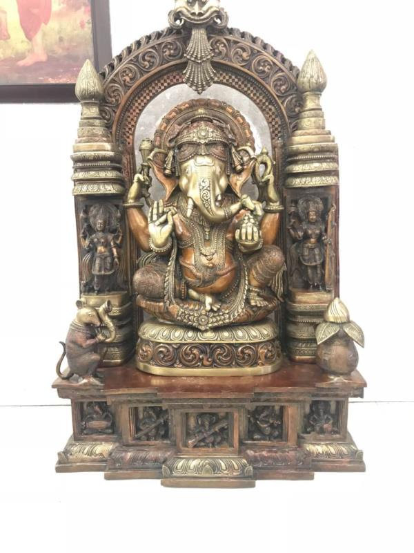 We are dealing Brass idols  called panchaloha idols and we are best panchaloha idols dealers in Mysore Other types of lords panchaloha idols also we have in Mysore Cauvery Silk Arts And Emporium.