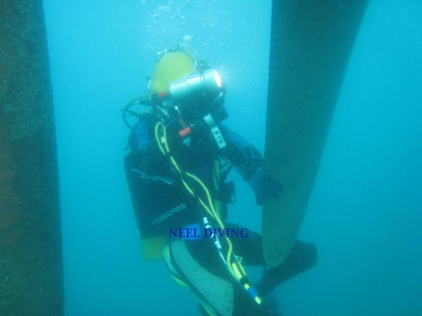 List Of Commercial Diving Companies In India.  We Teach Commercial Diving / Professional Diving In India. An Affiliated Member of International Diving School Association (IDSA) Underwater Welding, Ship Structure, Propeller Polishing, Underwater Hull Cleaning, Class Approved Works.  Scuba Diving In India / Kerala. We Use Special Underwater Welding Rods/ Welding Electrodes.  Join The Commercial Diving Course Which Is Designed For You.
