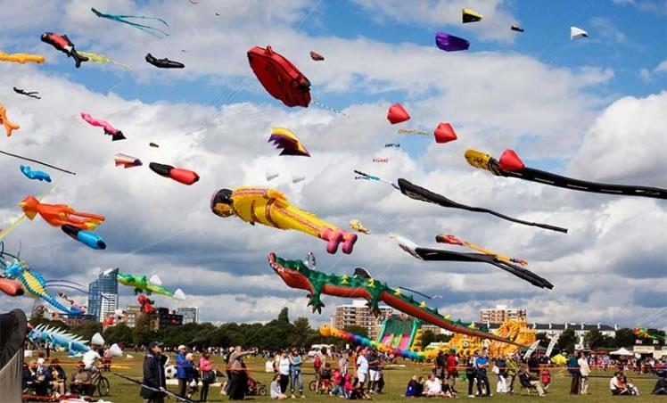 International Kite festival 2018 - Visiting Ahmedabad for Kite festival 2018, Stay at the best Hotel near Riverfront, Navrangpura.<br/>it's Just 5 minutes Drive to riverfront.<br/><br/>Get the  best offers on hotel room booking <br/>For More details <br/>Drop your message below
