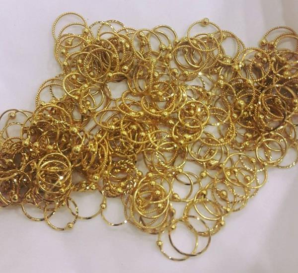 we manufacture and supply a vast assortment of Designer Gold Nose Rings that are made with pure gold. Available in a spectrum of designs, these nose rings are highly admired for their attractive designs. These are suitable for the women and girls of all age group.