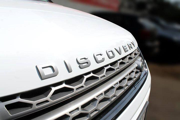 #LANDROVER #DISCOVERYSPORT 2.2L TD4 ( FUJI WHITE COLOR, DIESEL), 2015 model done only 29, 000km in absolute mint condition... buy now and get one year #service pack from us. For further info call 7569696666