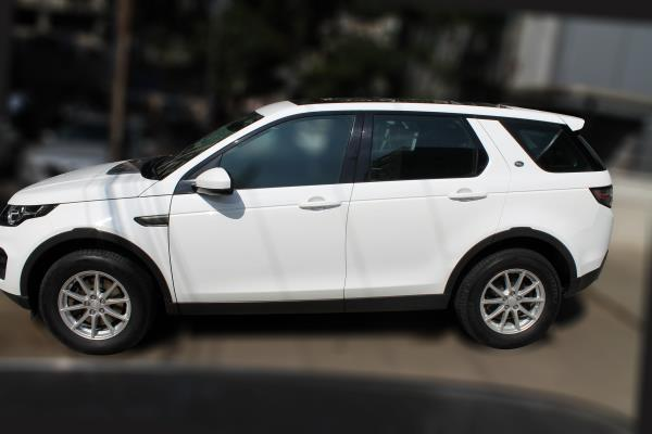 LANDROVER DISCOVERY SPORT 2.2L TD4 SE (FUJI WHITE COLOR, DIESEL), 2015 model done only 29, 000kms in absolute mint condition... buy now and get one year service pack from us. For further info call 7569696666.