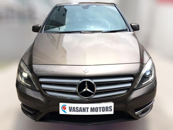 MERCEDES BENZ B180 CDI (MONOLITH GREY COLOR, DIESEL), 2013 model done only 72, 000kms in absolute mint condition. For further info call 7569696666.