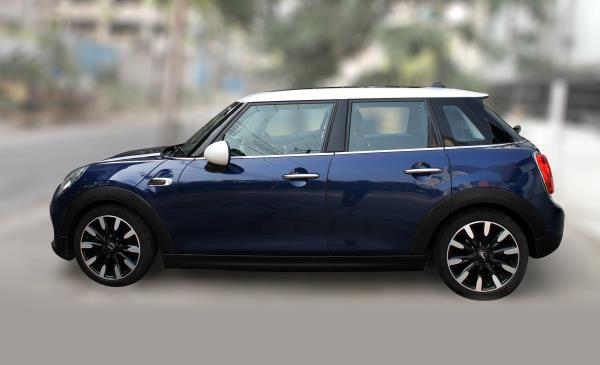 MINICOOPER D ( BLUE COLOR, DIESEL), 2015 model done only 19, 000kms in absolute mint condition. For further info call 7569696666.