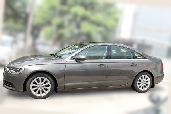 AUDI A6 2.0 TDI ( GREY COLOR, DIESEL), 2014 model done only 49, 000kms in absolute mint condition. For further info call 7569696666.