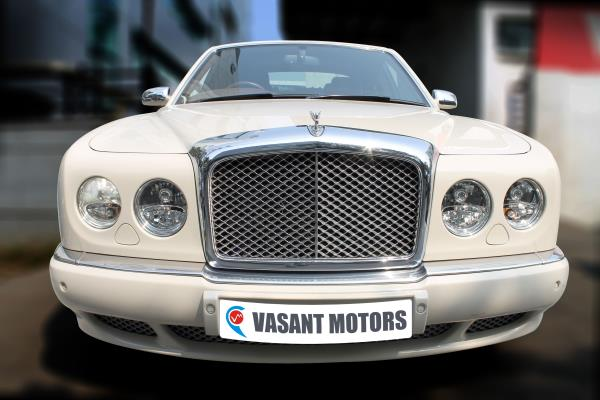 BENTELY ARNAGE R (WHITE COLOR, PETROL), 2008 model done only 11, 000kms in absolute mint condition. For further info call 7569696666.