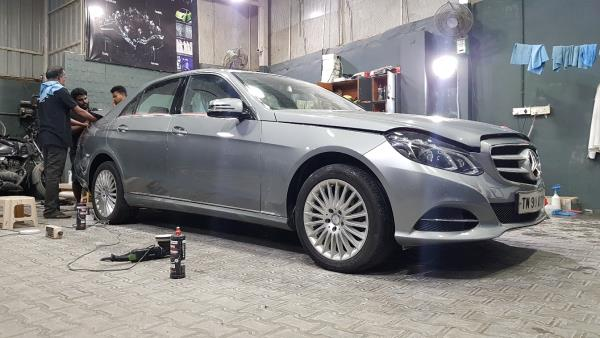 Mercedes E Class going under the hard-core surface preparation process getting prepared for Ceramic Pro treatment. Nano ceramic coating with 9H Hardness