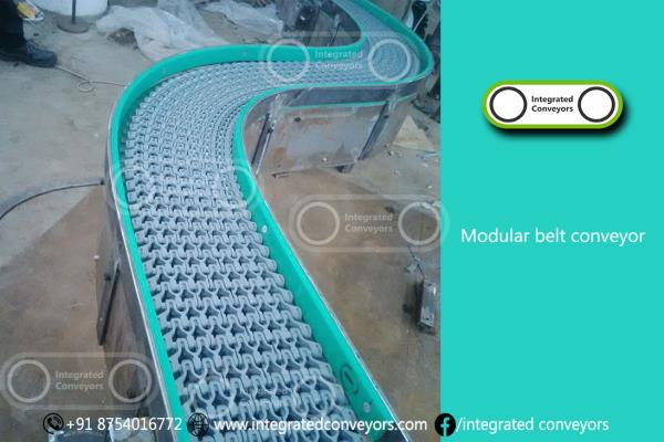 Due to the selection of different chain materials, the IPIPL -  2040 conveyor system with modular belt chain can also be used for food industry applications and for products with high temperatures to 105°C. As a rule, modular belt chains are more resistant to wear than are belts, in addition fluids from the transported material can drip off through the chain. Due to the guide of the belt, lateral deviation does not occur, thus workpieces can also be pushed off transversely.  The modular belt conveyor IPIPL -  2040 is available with several track layouts (L/S/U) and curve angles of 45° or 90°. Using individual variations, the track layout can be perfectly tailored to the existing conditions. The different conveyor widths ranging from 164mm upto 1005 mm and offer a very good effective width ratio, which is of advantage in confined spaces on site. In addition, the system is modular in structure and in combination with straight and incline conveyors practically all track layouts can be implemented in three-dimensional space.