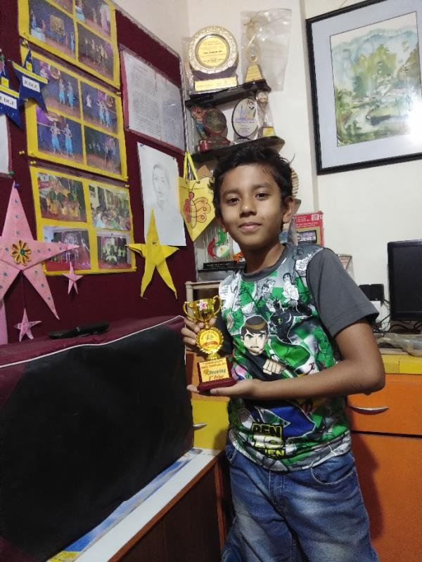 Vishesh won trophy for drawing competition  #Drawing classes  #Painting classes