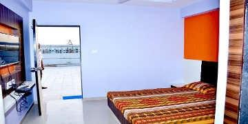 Best amenities with affordable prices rooms available near you