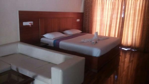 kodaikanal dormitory available at 10 pax to 60 pax  contact at 9943233689/8110043313 www.kodaikanalcheapestcottgaes.weebly.com