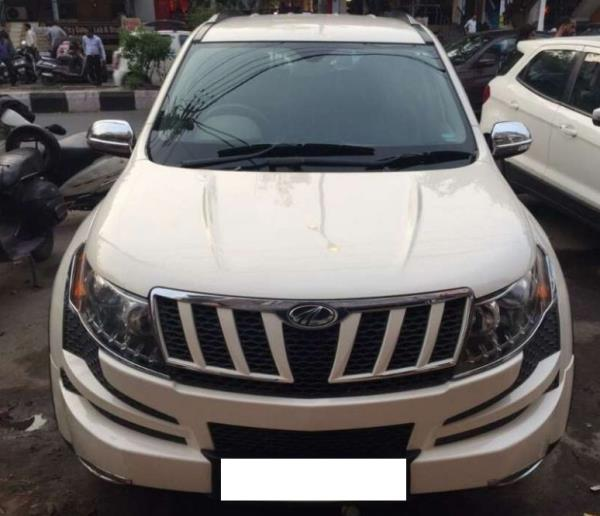MAHINDRA XUV500 2014 USED CARS IN DELHI   2014 MODEL, MAHINDRA XUV500 W8, 41, 000KMS (WITH SERVICE RECORD), WHITE COLOUR, DL NUMBER, SINGLE OWNER, INSURED TILL 2018 AUGUST, 10.25LACS. BRAND NEW TYRES, NEW BEIGE INTERIOR, JUST, GUARANTEE NON ACCIDENTAL, THIS IS A WELL MAINTAINED CAR, WE ARE PROVIDE FINANCE AND OTHER SERVICES ALSO, JUST LIKE NEW CAR.