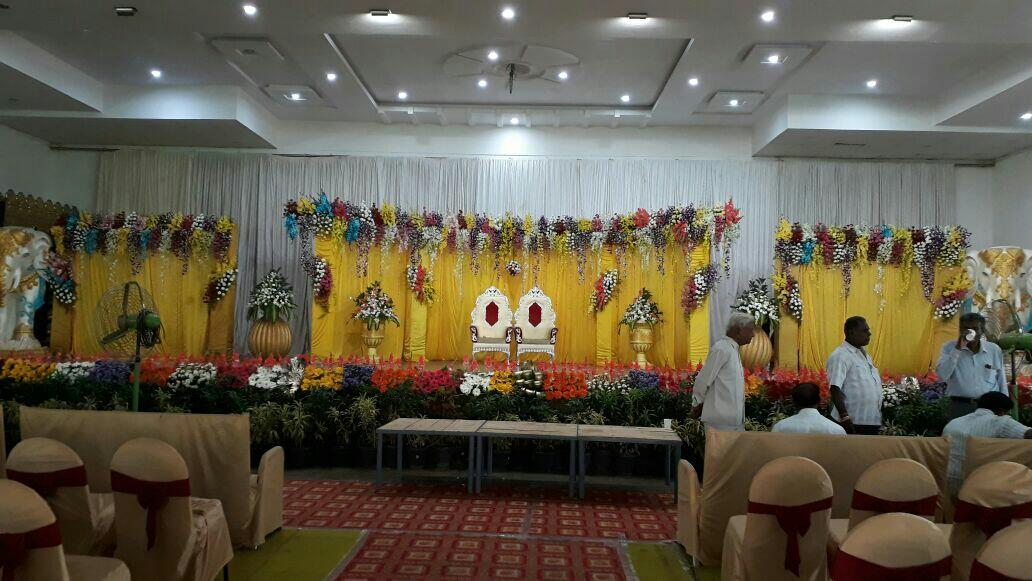 Best bangalore stage decorations flower drapes decorations with best bangalore stage decorations flower drapes decorations with prices for wedding reception engagement junglespirit Image collections