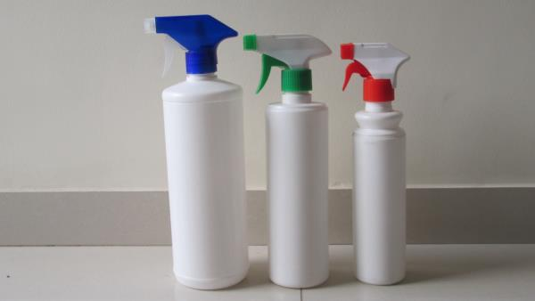 Room Freshner bottles with Spray Gun.. Now available at 3 sizes - 1L, 600ml, 300ml. Exclusively available at KWALITY PLAST.