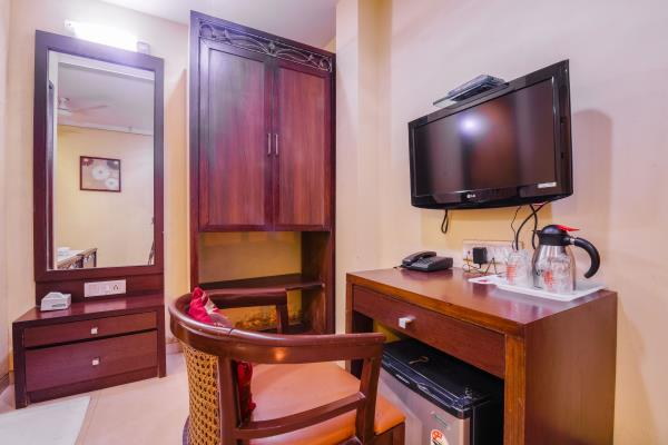 HAREDIA HOTEL Best hotel at Marines Lines Station Haredia Hotel located at Marine Lines Station. We have Modern rooms have flat-screen TVs and Wi-Fi, plus facilities.  BOOK NOW VIEW DETAILS ENQUIRE