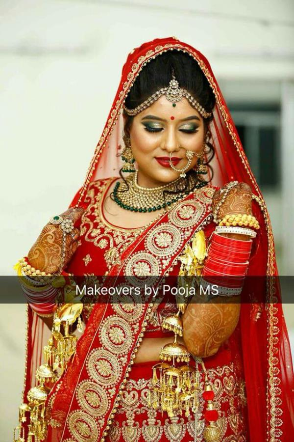 Here's presenting you all my gorgeous bride..  Babita shining bright on her wedding day..  #makeoversbypoojams #bellessabeauty  Bookings open  For more details Visit www.makeoversbypoojams.com Call or what's app 8447151617 Follow on insta- getpoojagupta  Best makeup artist in gurgaon and delhi