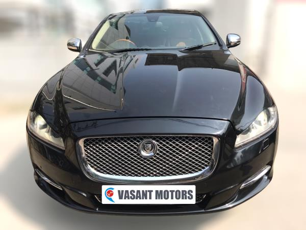 JAGUAR XJ 5.0L ( ULTIMATE BLACK COLOR, PETROL), 2010 model done only 42, 000km in absolute mint condition. For further info call 7569696666