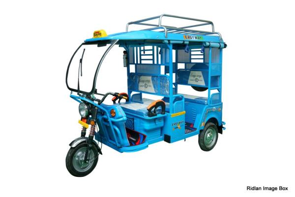 """Deluxe Model   DELUXE MODEL   SPECS Wheel Size90*90*12 Length2780MM Width990MM Height1780MM GrossWeight715 K.G INC. BATTERY WheelNORMAL Wheel Differential Size: 33'' Roof Material: Abs Shocker Length: 29"""" Shocker Size: 43mm HEAD LightNORMAL MeterNORMAL Meter L & R MirrorFIEM Central Locking System: Central Locking System Front GlassWith Wiper Motor FM Music SystemFM Music System Back & Front Indicator: Rinder  BATTERY Charging Capacity12AH Voltage100*4 AH AVERAGE80-100 K.M Weight of Battery Assembly100 K.G  DRIVE MOTOR Max. Speed25 K.M Max. Distance of Travel80 K.M Rated Output900 W Controller24 tubes Rated Voltage48V  Best e-rickshaw manufacturer in india, Electric rickshaw, Battery rickshaw,  I-cat rickshaw"""