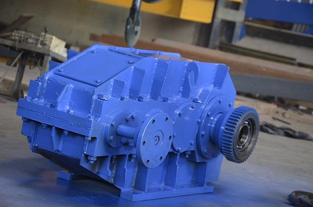 Heavy Duty Gear Box for Double Girder EOT Crane.  We have in-house facility to manufacturing of Heavy Duty Gear Box. It is fabricated Gear Box. Profile Cutting material. Accurate Boring & Facing in Boring Machine. All Gear are of EN9 and EN19 Material with 20-25 hardness and assemble after grinding in all bearing size. All bearings are of FAG/ZNL make. We also have testing facility of Gear Box.  We are the leading manufacturer of EOT Crane, Pre Engineered Building & PEB Structure in Vadodara, Gujarat.