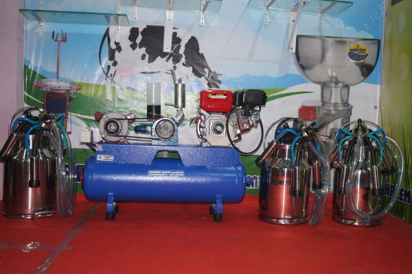 Light Model Single Bucket Milking Machine Manufacturer In Kerala    Wholesaler, Exporter, Manufacturer, Trader, Retailer of a wide range of products which include inverter operated single bucket milking machine and electric operated single bucket milking machine in Kerala