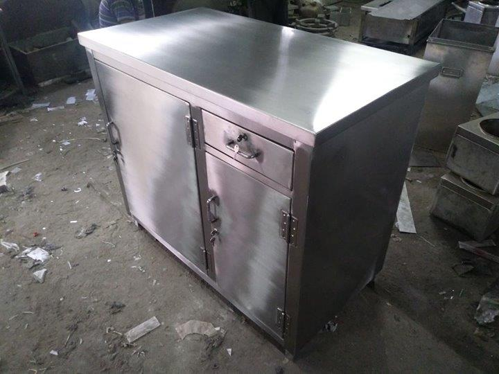 Stainless Steel Cash Cash Counter For Hotels, Restaurants, Multi Cuisine Restaurants, Commercial Kitchen Equipment Manufacturer In Chennai. For more info visit us at http://smartkitchenequipment.com/Stainless-Steel-Cash-Cash-Counter-For-Hotels-Restaurants-Multi-Cuisine-Restaurants-Commercial-Kitchen-Equipment-Manufact/b124