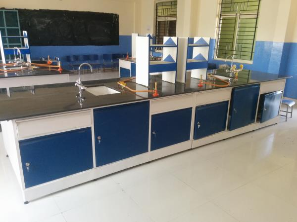 Laboratory Workbench in Bangalore <br/><br/>We do entire Laboratory Workbench with Laboratory Table for school, colleges, industries, research institutes, etc. We offer a high tensile range of Research Laboratory Workbench to our valued clients. We offer these Research Laboratory Work Benches at most affordable prices & in the shortest time possible. <br/><br/>Features: <br/><br/>Long Life <br/>High Durability <br/>Affordable Prices