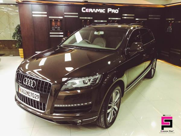 AUDI Q7 Protected with the Wor