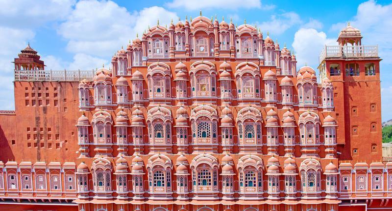 Budget Hotel At M.I. Road Jaipur, major sight seen is situated within 5 km. distance  form Hotel Raghav Palace, ie;  Birla Mandir,  Musium,  Hawa Mahal,  City Palace,  Jantar Mantar etc.