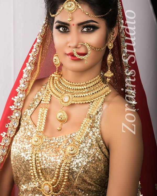 Bridal Makeup Service Making up that gorgeous face on your wedding for making those photos sparkle. Finding that balance between too much makeup and not enough is a fine line. I pride myself in walking that line. Book your makeup appointment with Zorains Studio, Kormangala, Bangalore.