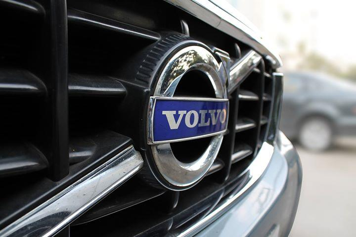 #VOLVO #XC 60 #D5 ( CHAMELEON BLUE METALLIC COLOR, DIESEL), 2011 model done only 83, 000km in absolute mint condition... buy now and get one year #service pack from us. For further info call 7569696666. visit us @ www.vasantmotors.in