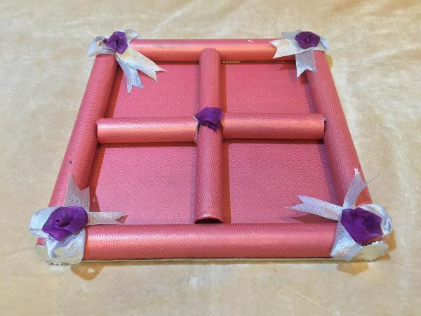 Paper Dry Fruit Tray  We are leading manufacturer, supplier and wholesaler of Paper Dry Fruit Tray in Delhi