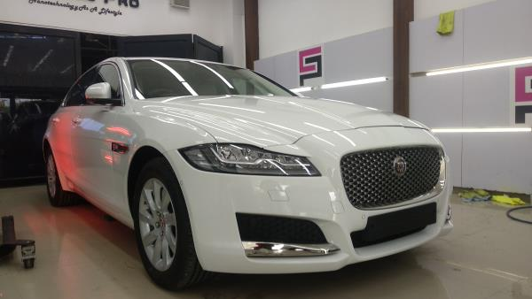 Jaguar XF The world's lea