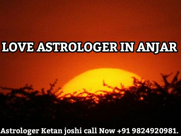 LOVE ASTROLOGER IN A