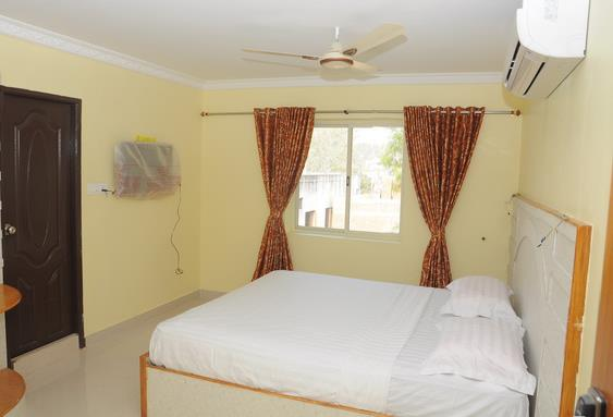 Are you looking for any Budget Rooms In Poonamallee. We have the Best Budget Rooms in Poonamallee at reasonable price. Kindly call us for booking the rooms for your stay in our hotels.