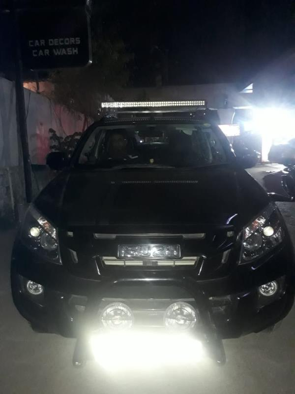 Isuzu dmax vcross led bar installation at motominds....