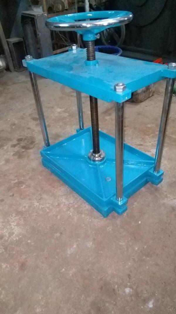 Book Press Machine or Daab Press Machine, Size 15