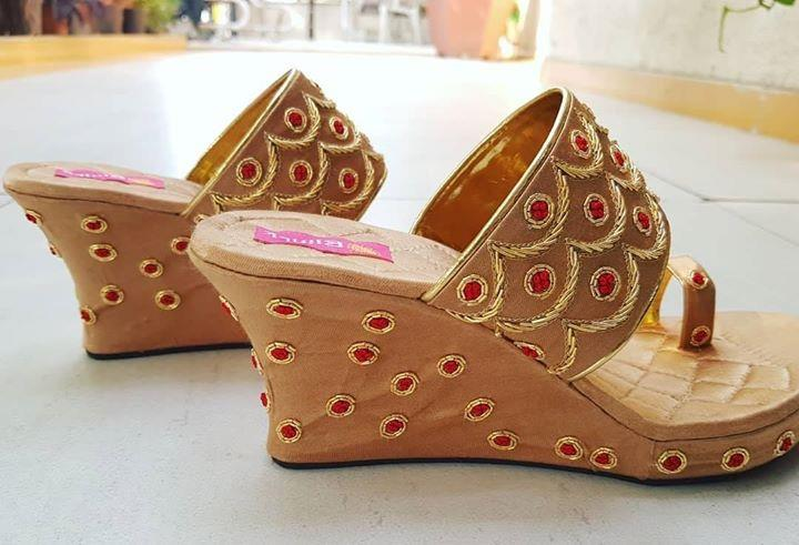 Gold and red zardosi and thread work 3 inches Platforms
